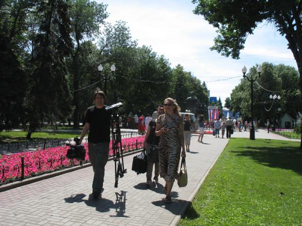 Перемещение на Октябрьскую улицу.