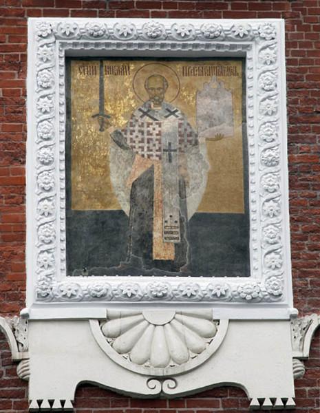 Образ Николы Можайского на Никольской башне Московского Кремля