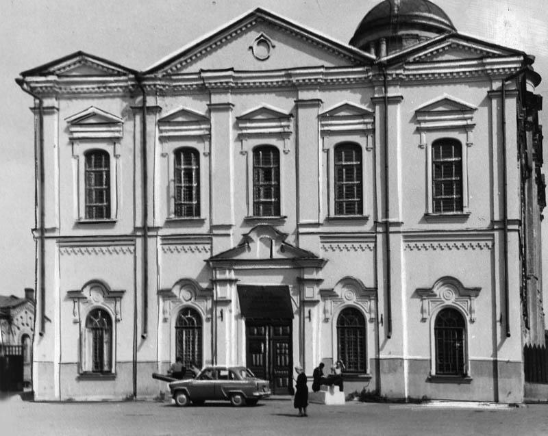 Краеведческий музей в здании Спасо-Преображенского собора. Фото 1960-х гг.