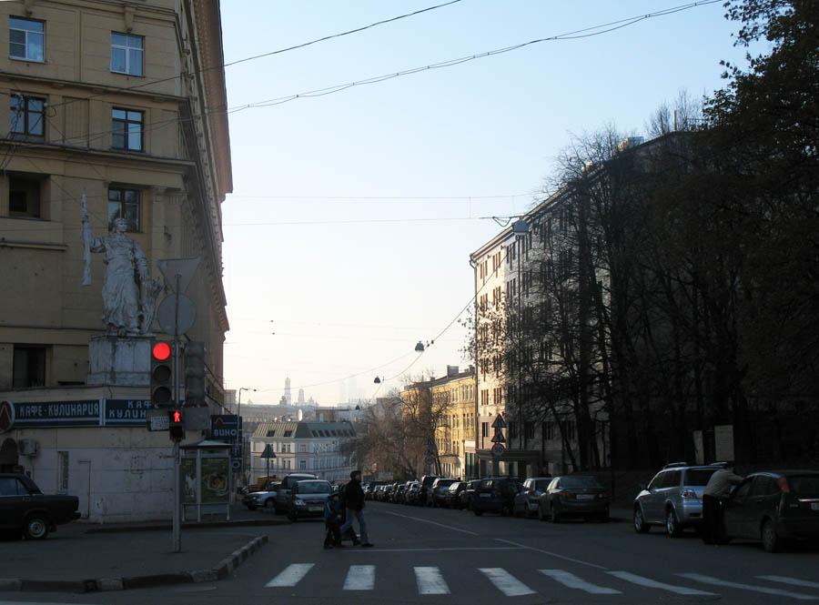 Вид на Хитровкую площадь. Фото 26 октября 2010 г.