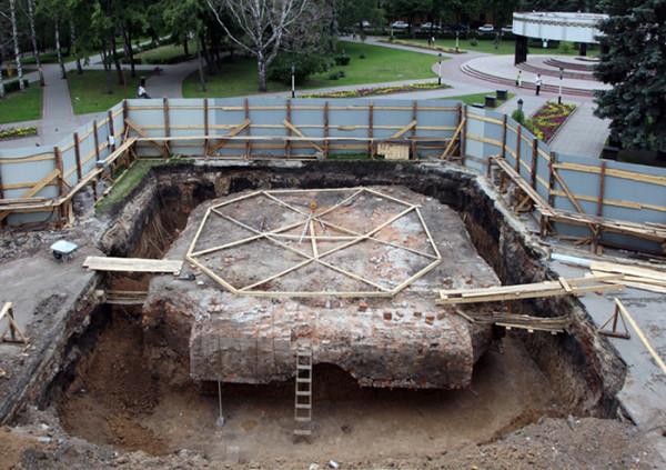 Фундамент соборной колокольни 1811–1812 гг.