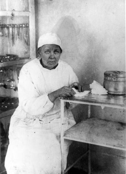 Елена Михайловна Боратынская в Гавриловке. Фото около 1960 г.