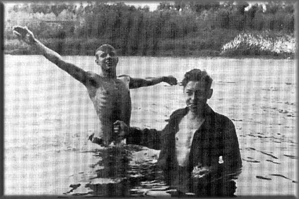 Юрий Гагарин на Волге