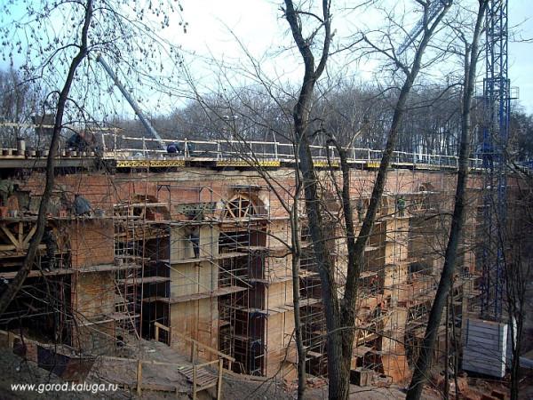 Мост в Калуге. Финальный этап реставрации. Фото 2009 г.
