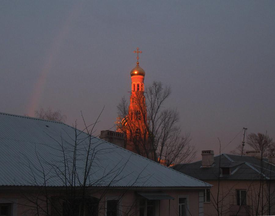 Вечерняя радуга. Фото 21 апреля 2013 г.