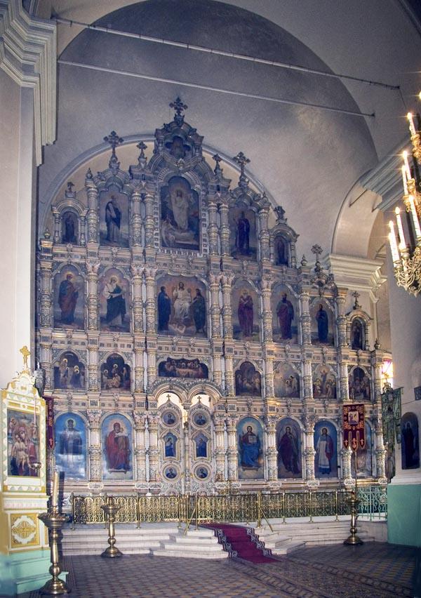 Фаянсовый иконостас храма Архангела Михаила в с. Мордово