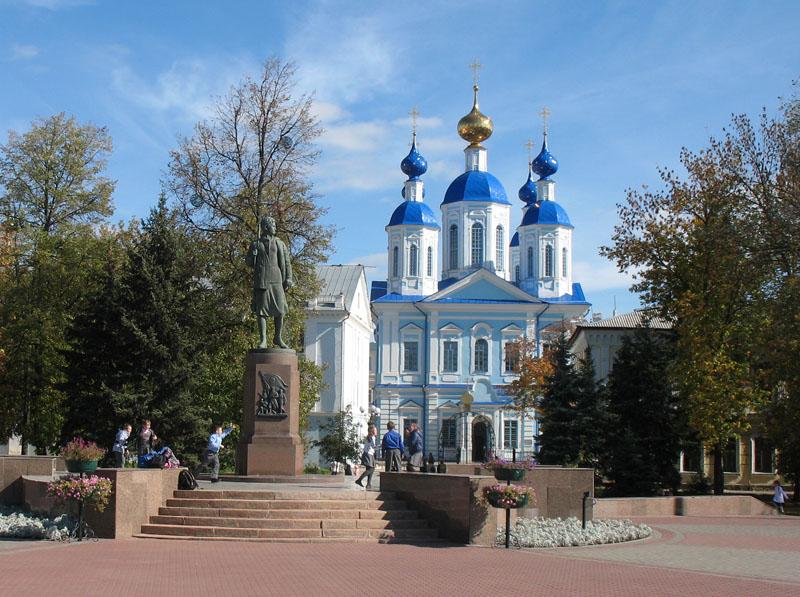 Г. Манизер. Памятник Зое Космодемьянской в Тамбове. Фото 2012 г.