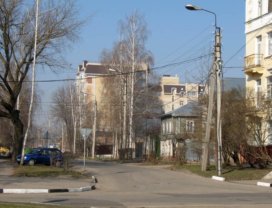 Улица Комсомольская в Тамбове. Фото 19 апреля 2013 г.