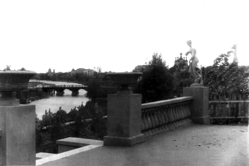 Площадка перед лестницей к Цне. Тамбов. Фото 1949 г.