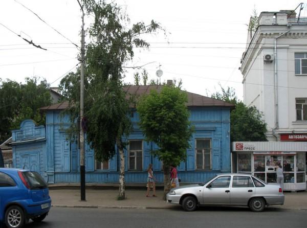 Один из старинных домов на улице Московской. Фото 2013 г.