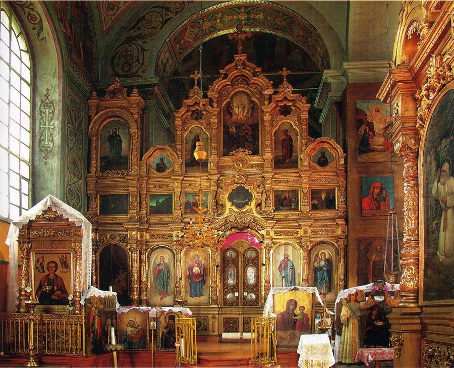 Иконостас придела Троицкого храма в Пичаеве
