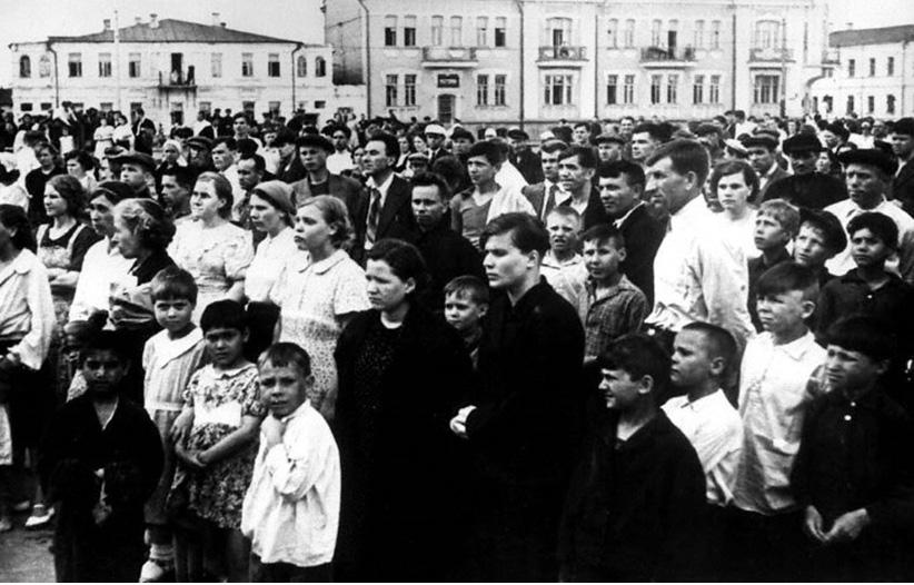 На Ленинской площади в Тамбове. Фото 22 июня 1941 г.