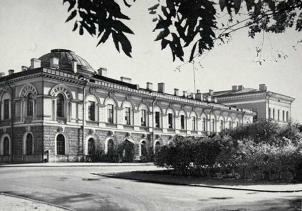 Музейный флигель Академии наук