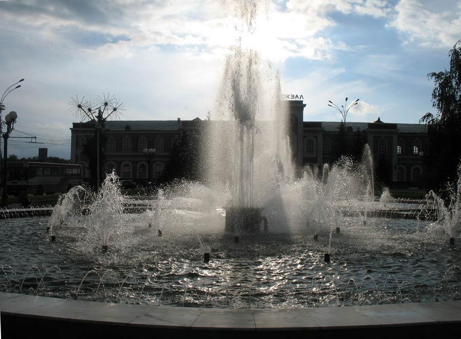 Привокзальная площадь в Тамбове. Фото 2011 г.