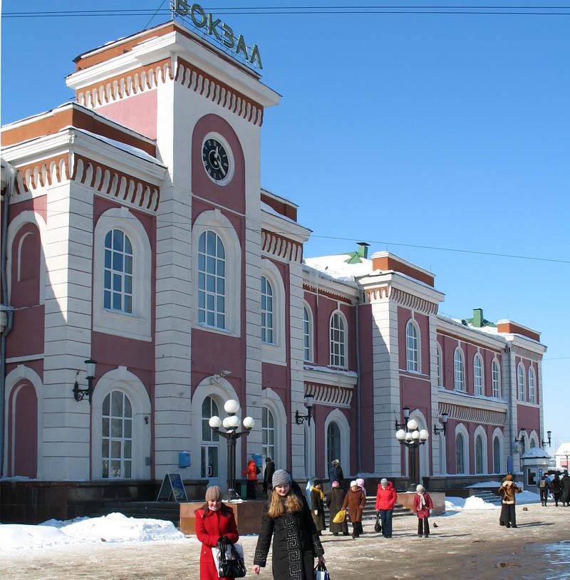 Здание вокзала в Тамбове. Фото 2006 г.