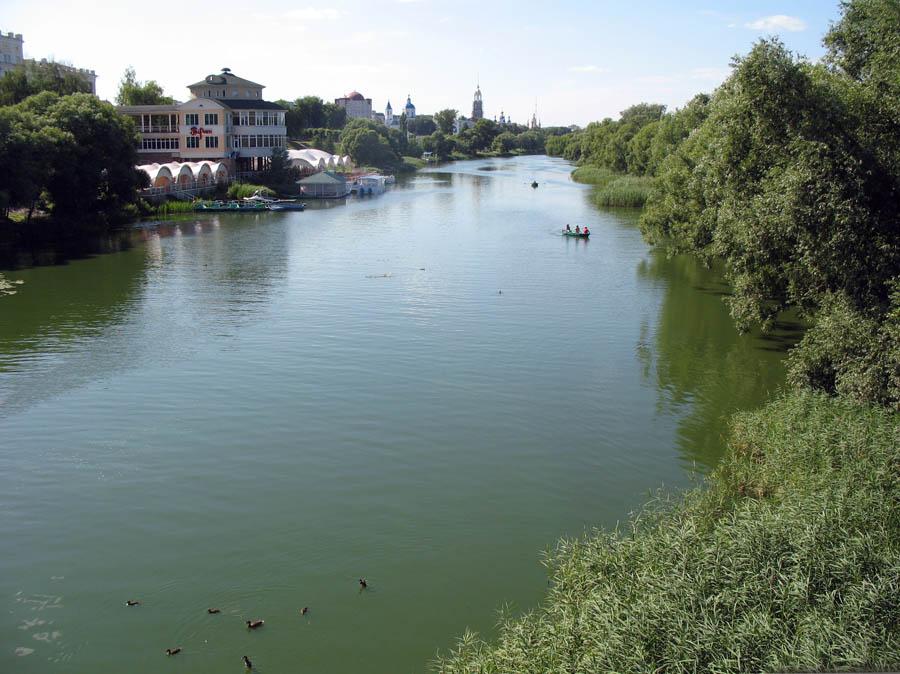 Вид реки Цны с Тезикова моста в Тамбове. Фото 2 июля 2013 г.