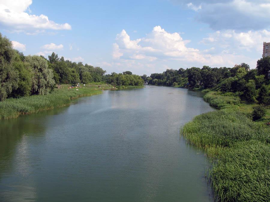 Вид реки Цны с Тезикова моста в Тамбове. Фото 4 июля 2013 г.