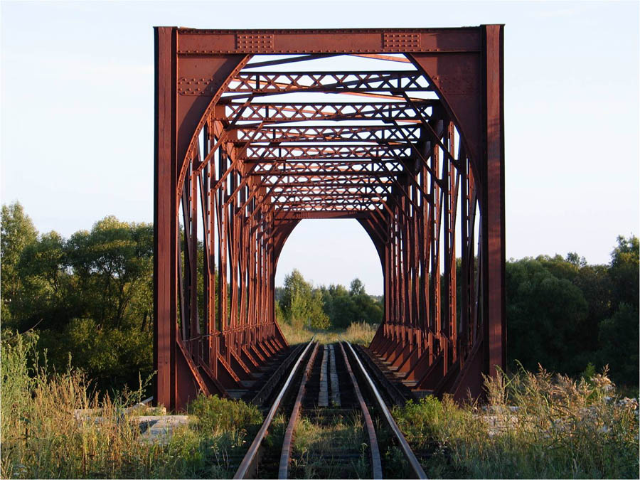Чугунный мост через Вишнёвку в с. Новиково. Фото 2005 г.
