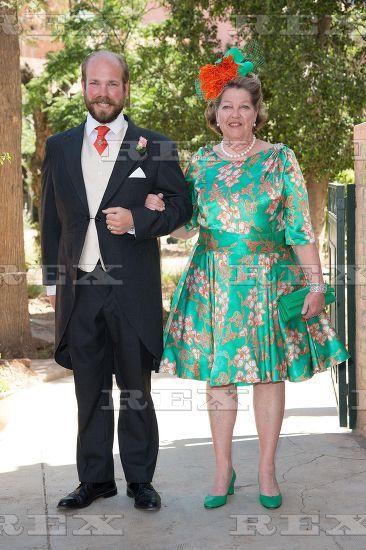 жених барон Аксель де Самбюси с матерью, принцессой Шанталь