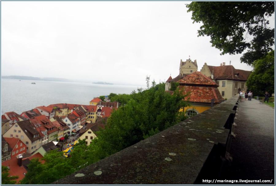 Боденское озеро: замки Меерсбурга в пасмурный летний день