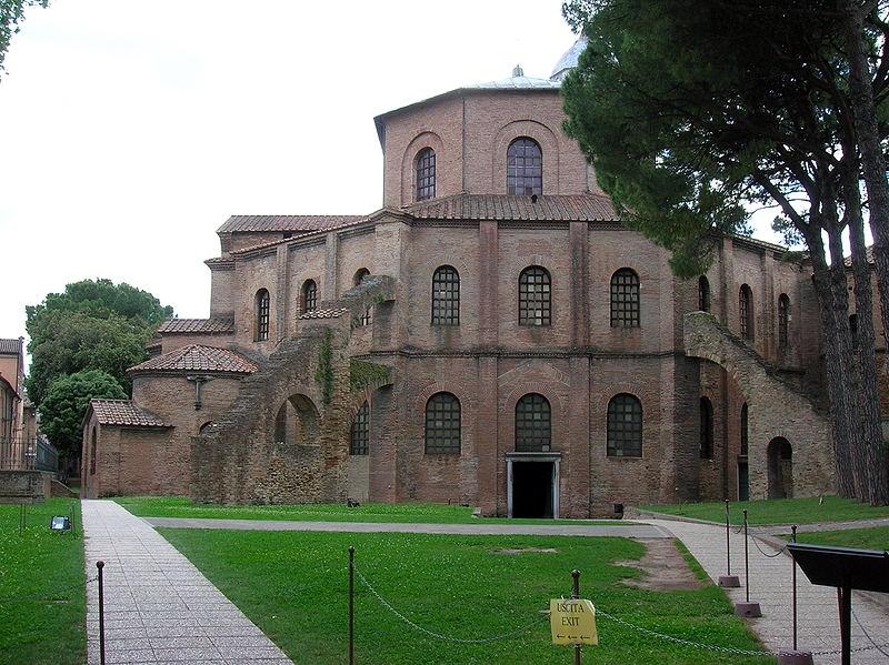 800px-Basilica_San_Vital_di_Ravenna[1]