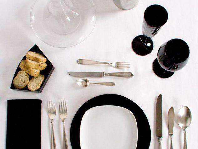 come-apparecchiare-una-tavola-elegante-capodanno3a_o_su_horizontal_fixed