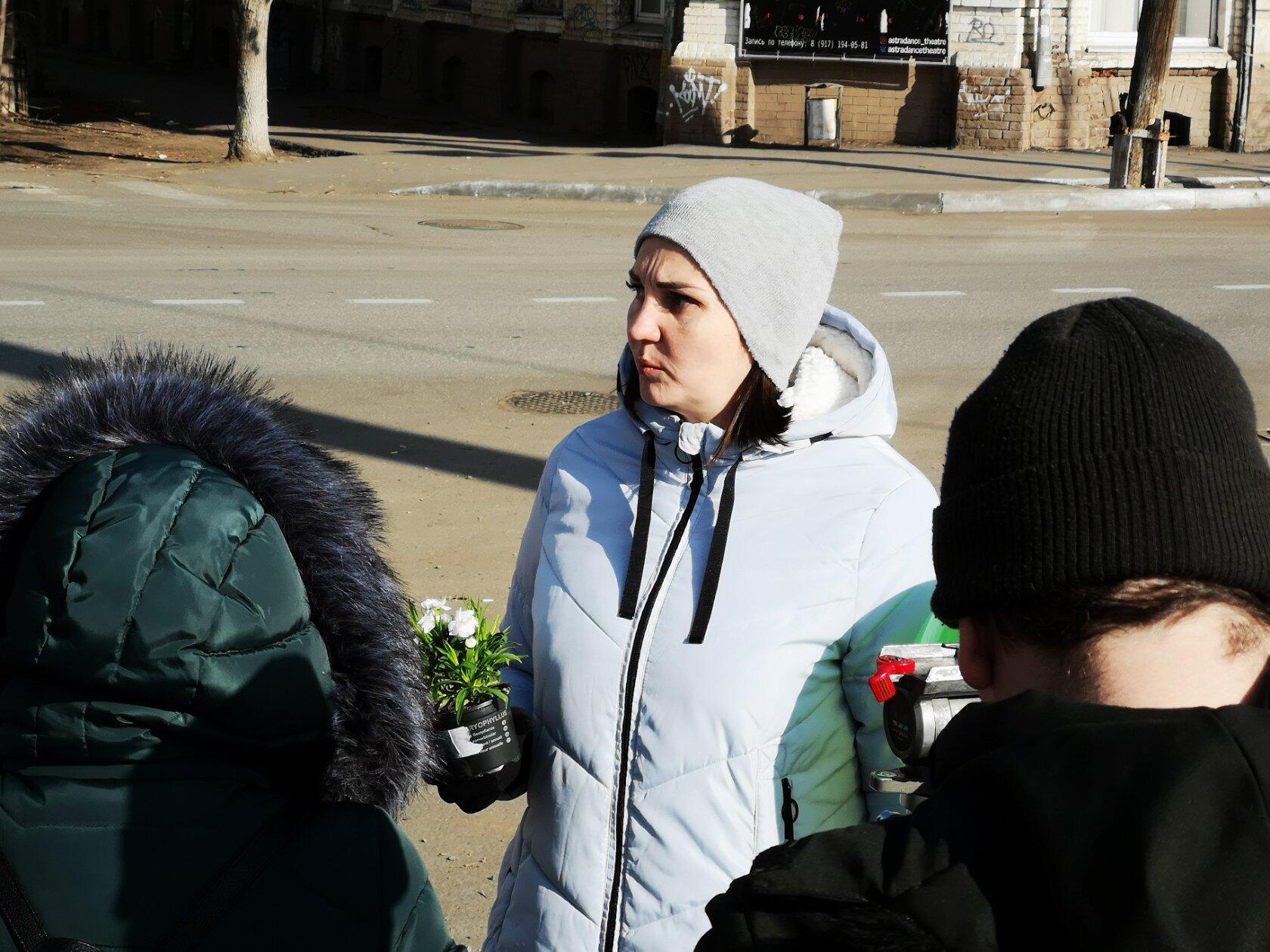 """Даю интервью для канала ОТР как представитель общественной организации """"Экологический патруль""""."""