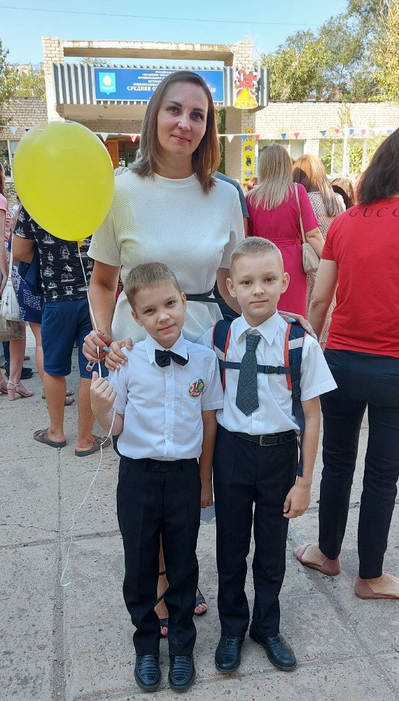 Мои детки - ученики школы 49.
