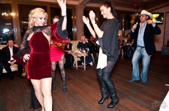 http://ic.pics.livejournal.com/marinni/17658304/793780/793780_original.jpg