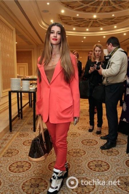http://ic.pics.livejournal.com/marinni/17658304/795378/795378_original.jpg