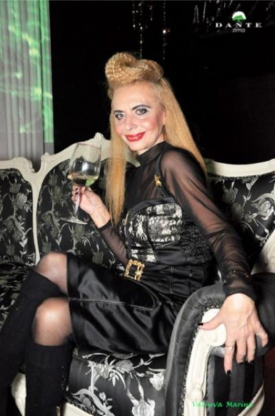 http://ic.pics.livejournal.com/marinni/17658304/803408/803408_original.jpg