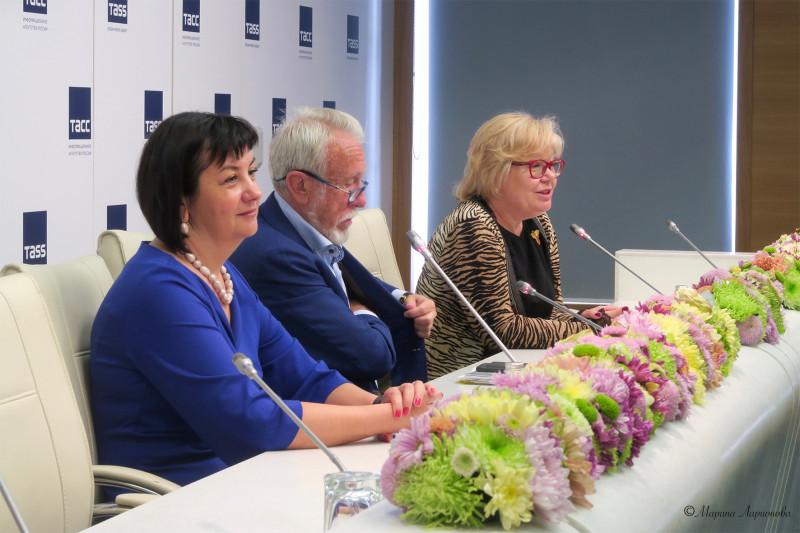 Презентация фестиваля «Летний сад - 315» в пресс-центре ИАР ТАСС