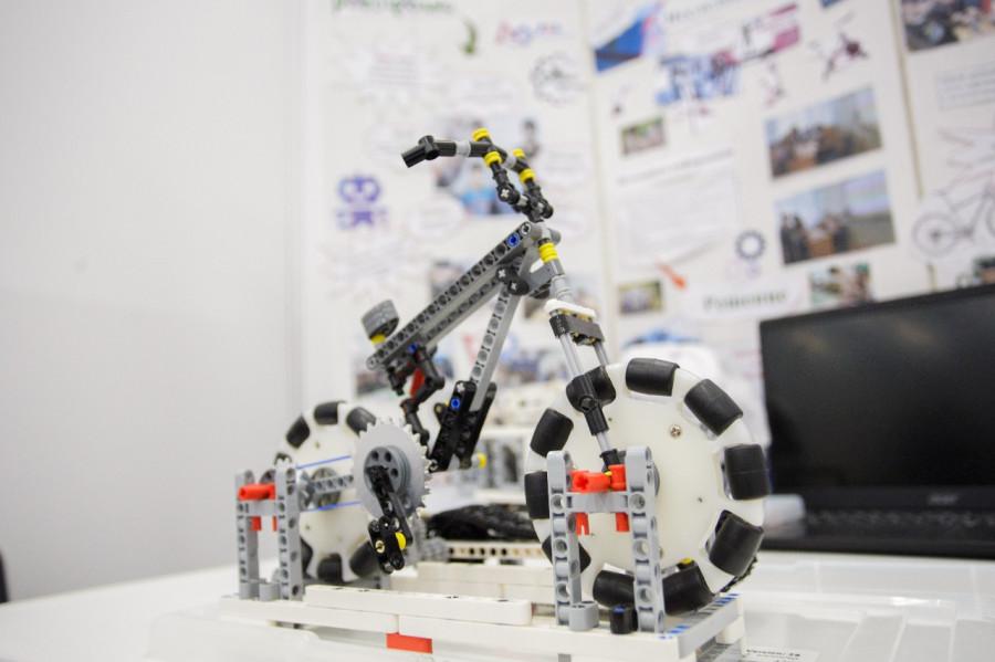 Ресторан Cinema встретил участников Национального чемпионата по робототехнике