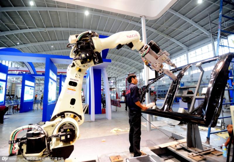 Из 160 тысяч промышленных роботов, которые, по прогнозам IFR, будут проданы в Китае в 2019-м, около 100 тысяч будут произведены китайскими же компаниями