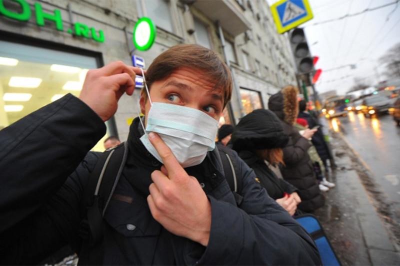 От эпидемии коронавируса в возбуждённое и суетливой состояние пришли наши отечественные либералы. Они постоянно выкладывают в социальные сети фото своих лиц в медицинских масках