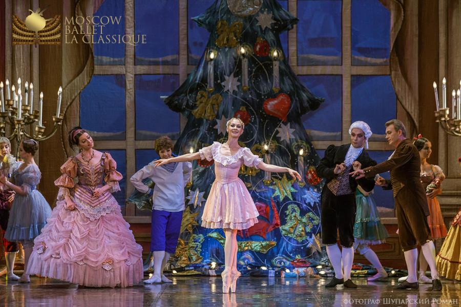 THE-NUTCRACKER-Ballet-La-Classique-13.jpg