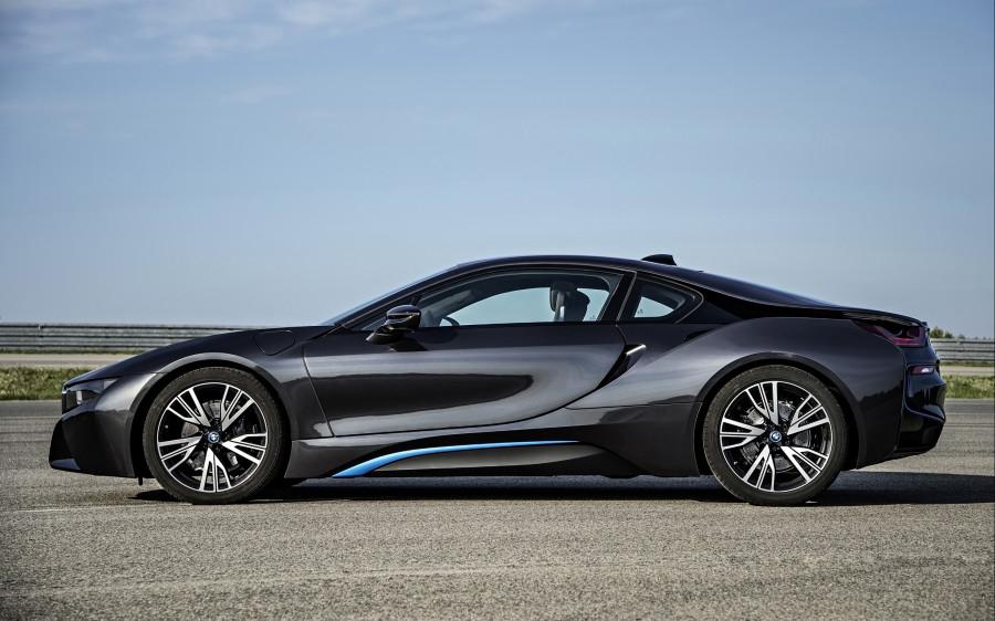 2015-BMW-i8-Static-3-2560x1600