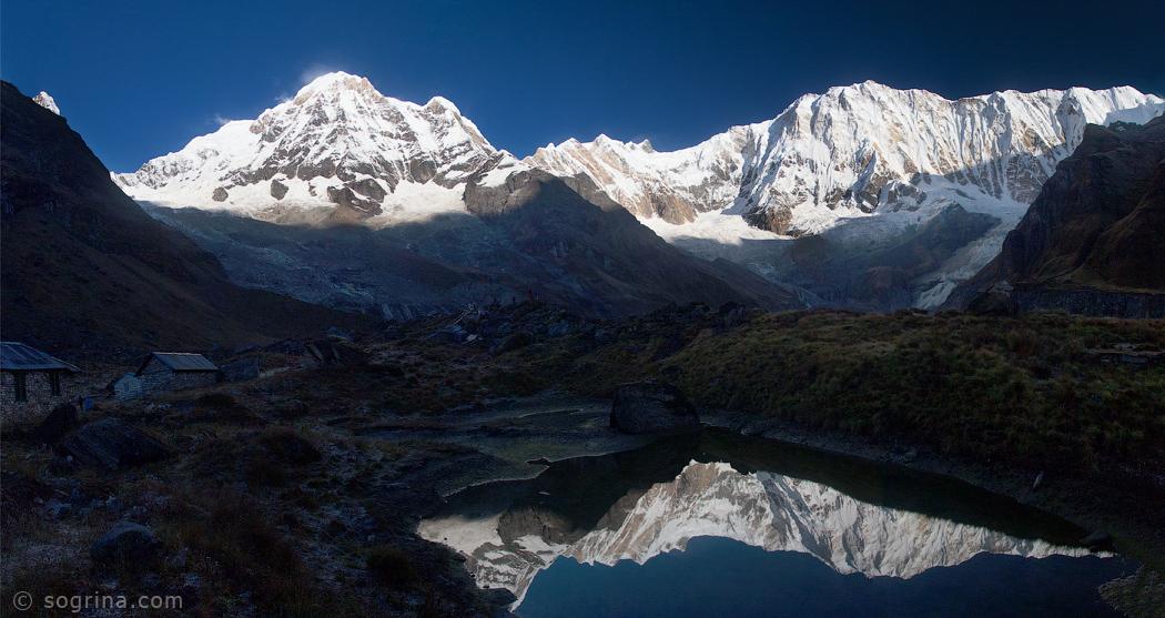 16-Sogrina-Annapurna-Reflexion