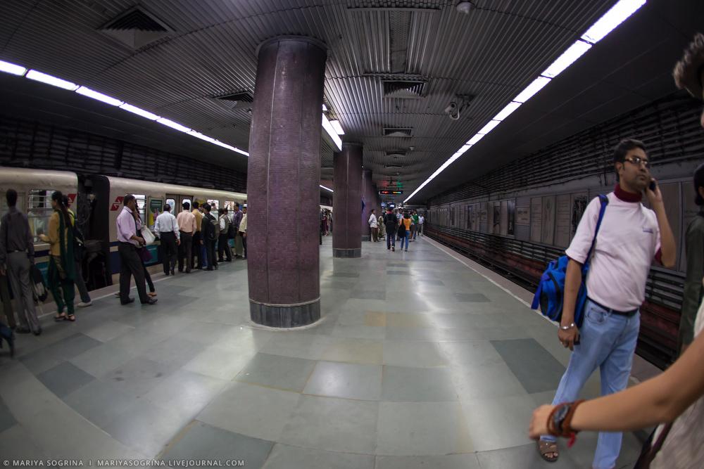 Mariya Sogrina Kali Ghat Kolkata India-2