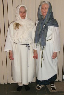 Suzanna and I in our 8th Century costumes before we died them with natural dyes. We wore these at several school visits earlier this month. Didn't sell many books, but had loads of fun, and learned a lot. For instnce, the last week of school isn't the best time to present there, and more pre-visit publicity would help spur sales.
