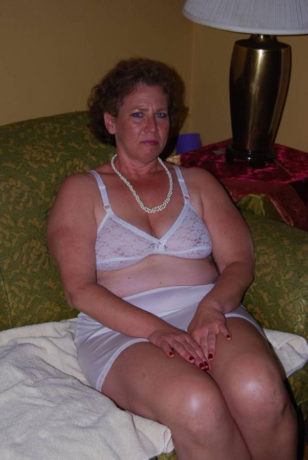 Порно фото пожилые женщины в трусах