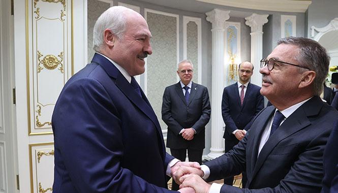 Трус не играет в хоккей! Лукашенко дисквалифицирован IIHF