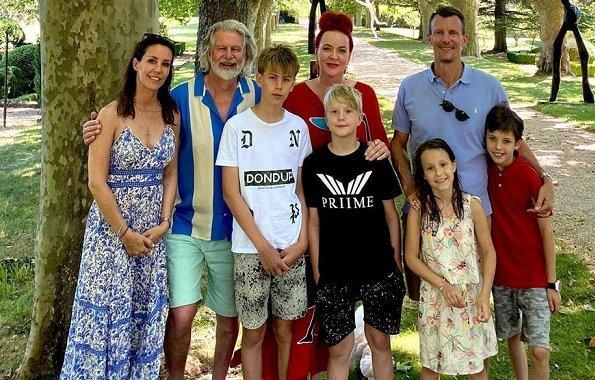 Князь Иоаким, Принцесса Мари  и их дети посетили Замок Виньелор