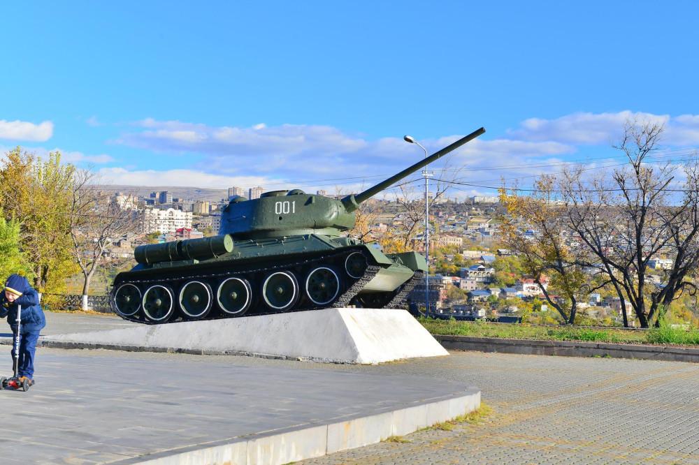 Фото Маркосян Усик, Ереван, танк воевал в Арцахе