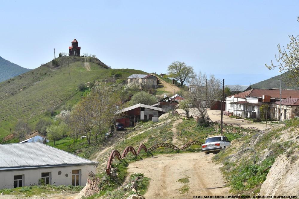 Весенняя Армения,  Усик Маркосян, Հուսիկ Մարկօսյան,.1.