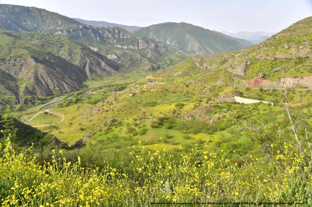 Весенняя Армения,  Усик Маркосян, Հուսիկ Մարկօսյան,-