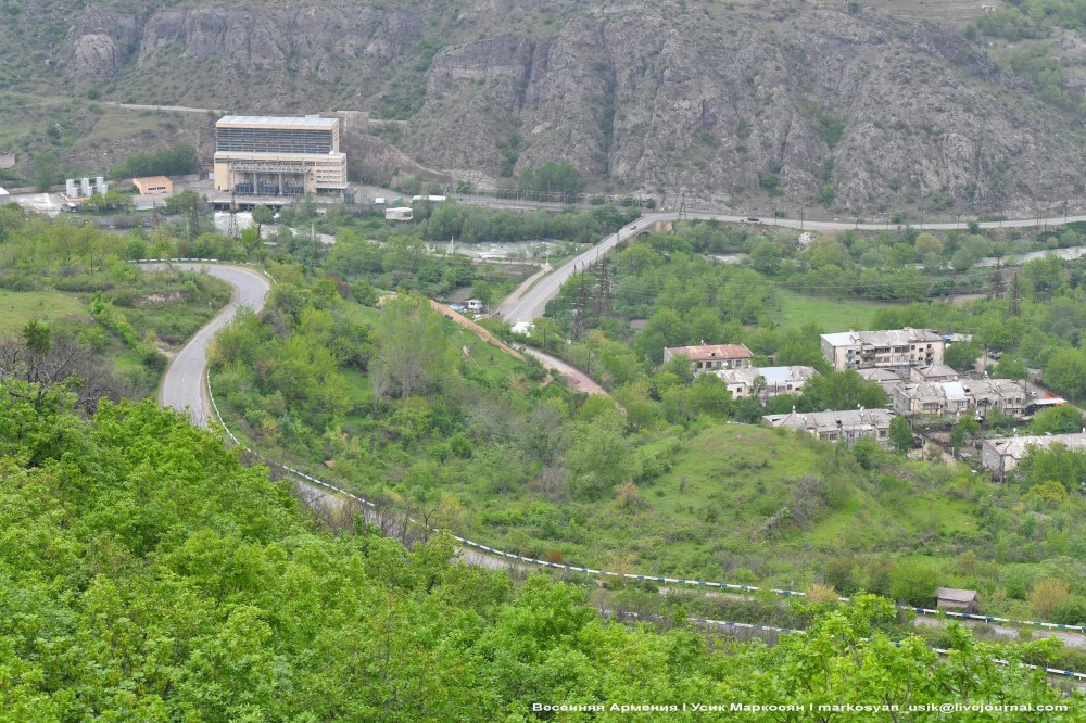Весенняя Армения, . Усик Маркосян, Հուսիկ Մարկօսյան,