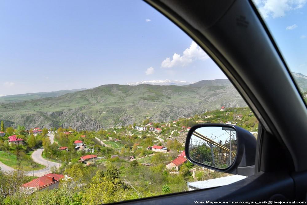 Весенняя Армения,  Усик Маркосян, Հուսիկ Մարկօսյան,,1