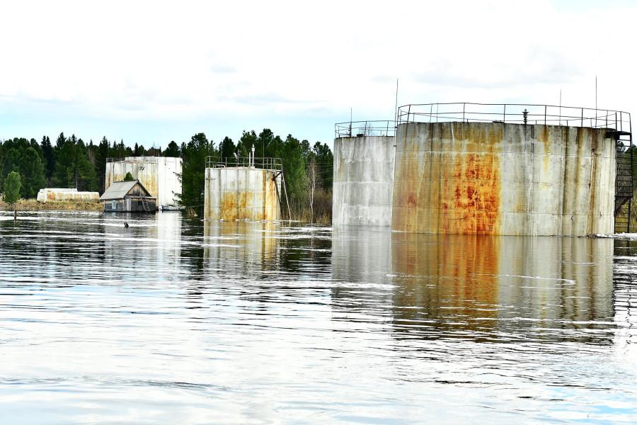наводнение в Саранпауле. фото Усик Маркосян .