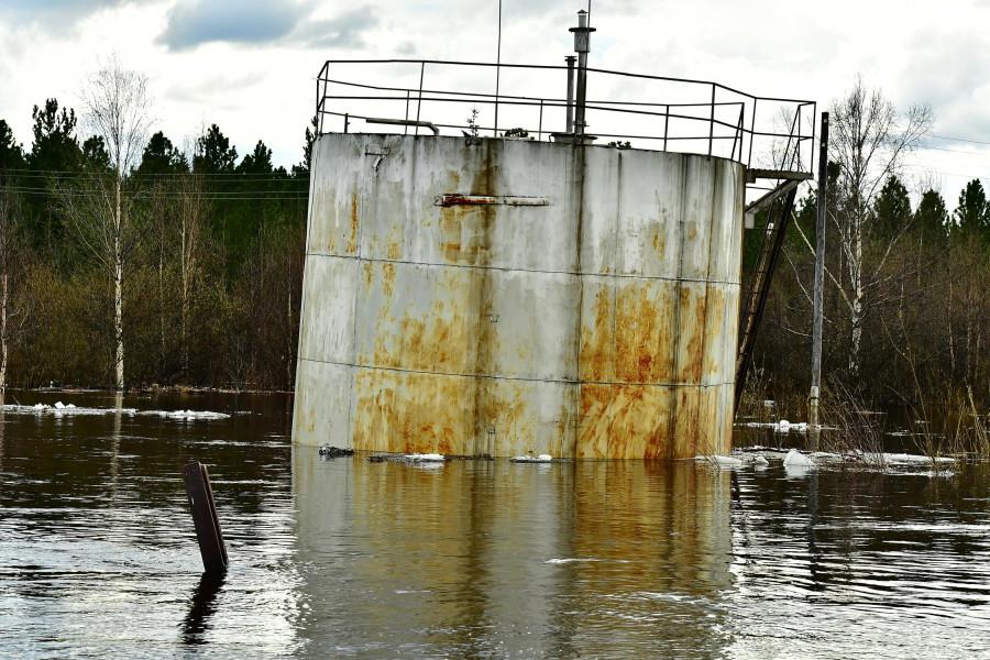 наводнение в Саранпауле. фото Усик Маркосян.